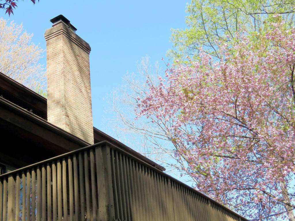 SIGNS OF AN OBSTRUCTED CHIMNEY – CHIMNEY FLUE REPAIR